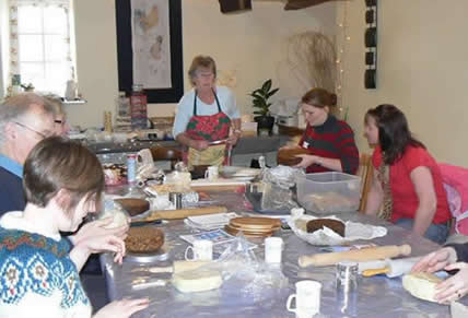 Sugarcraft at Christmas with Gillian Harris at Greystoke Cycle Cafe